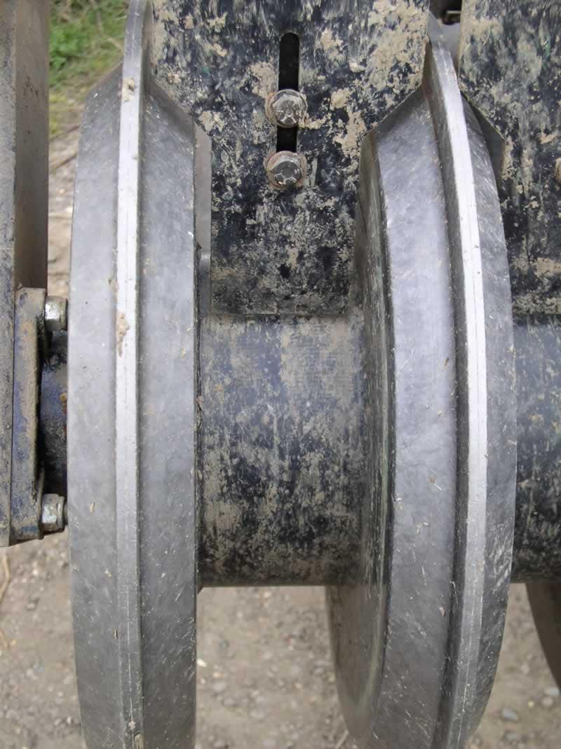 Razor Ring press close up